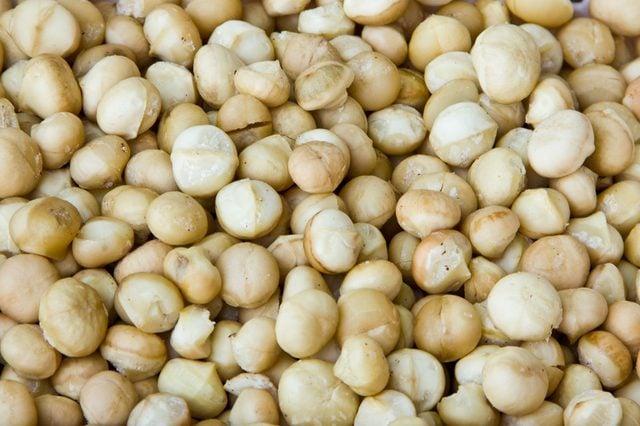 macadamia without peel in basket