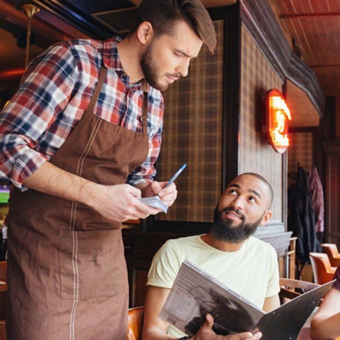 10 Polite Habits That Restaurant Staffers Secretly Dislike