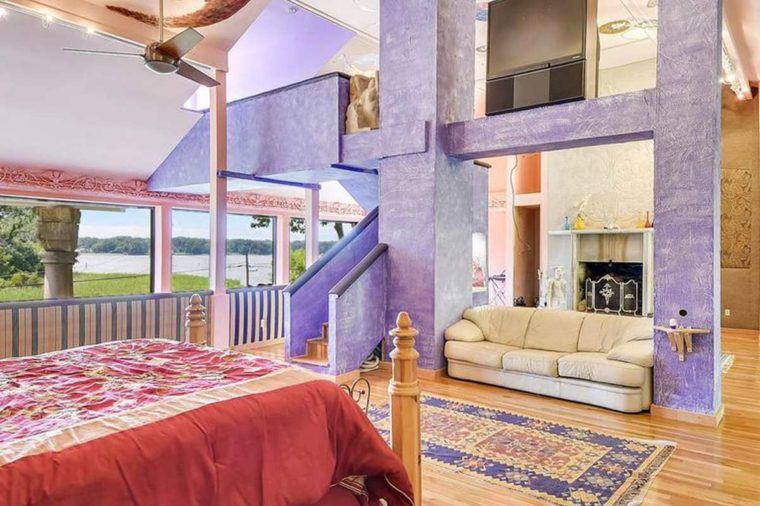 purple room zillow listing
