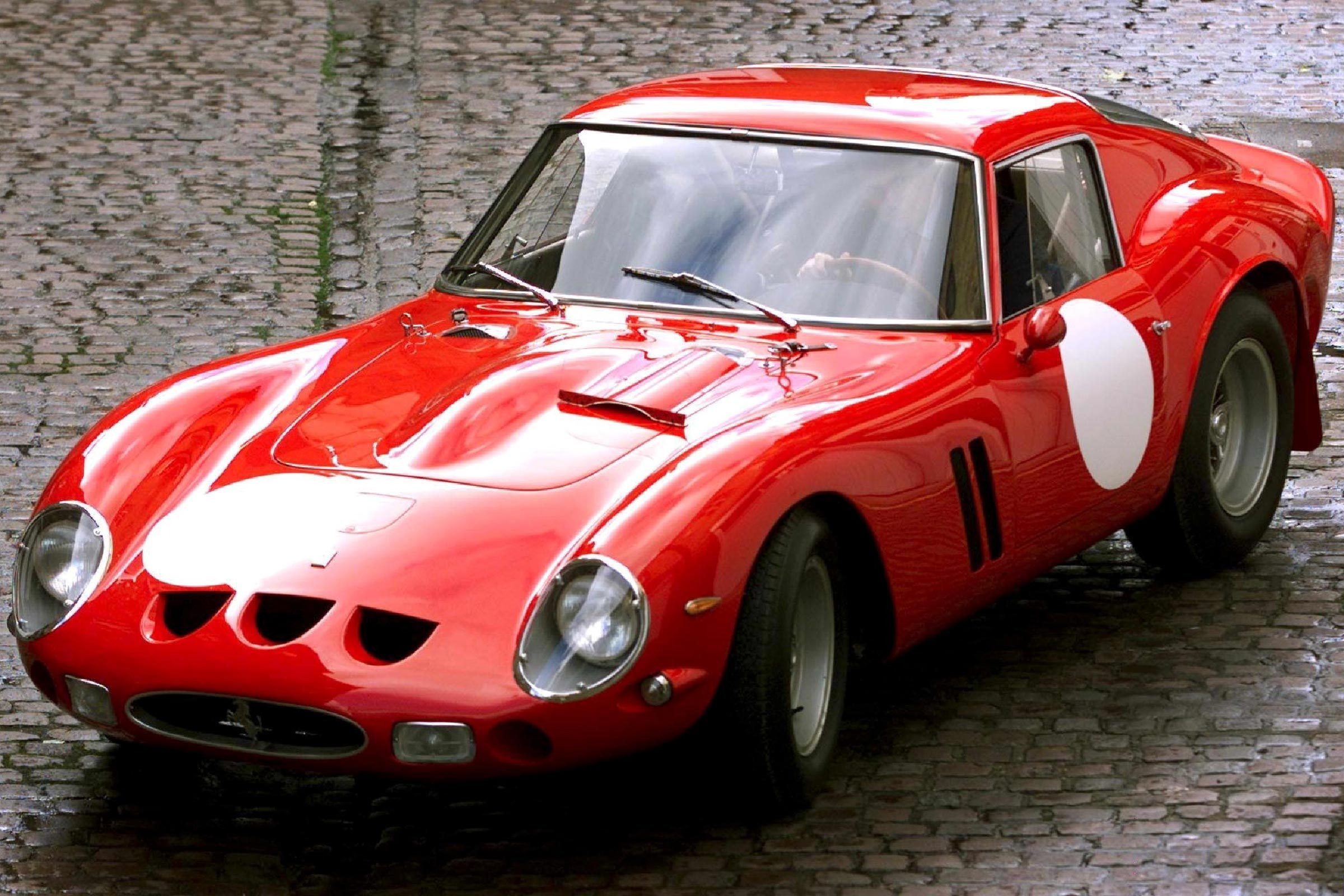 London United Kingdom : a Vintage 1963 Ferrari 250 Gto Which Won the 1963 Le Mans Gt Race Outside Bonham and Brooks Auction House in London 30 October 2000 One of Only 39 250 Gto Variants the 3-litre Ferrari is to Be Auctioned Next Month and is Expected to Threaten the World Record by Selling For Approximately $10 Million in the Historic Ferrari Motor Car and Automobilia Show in Gstaad Switzerland on 19 December