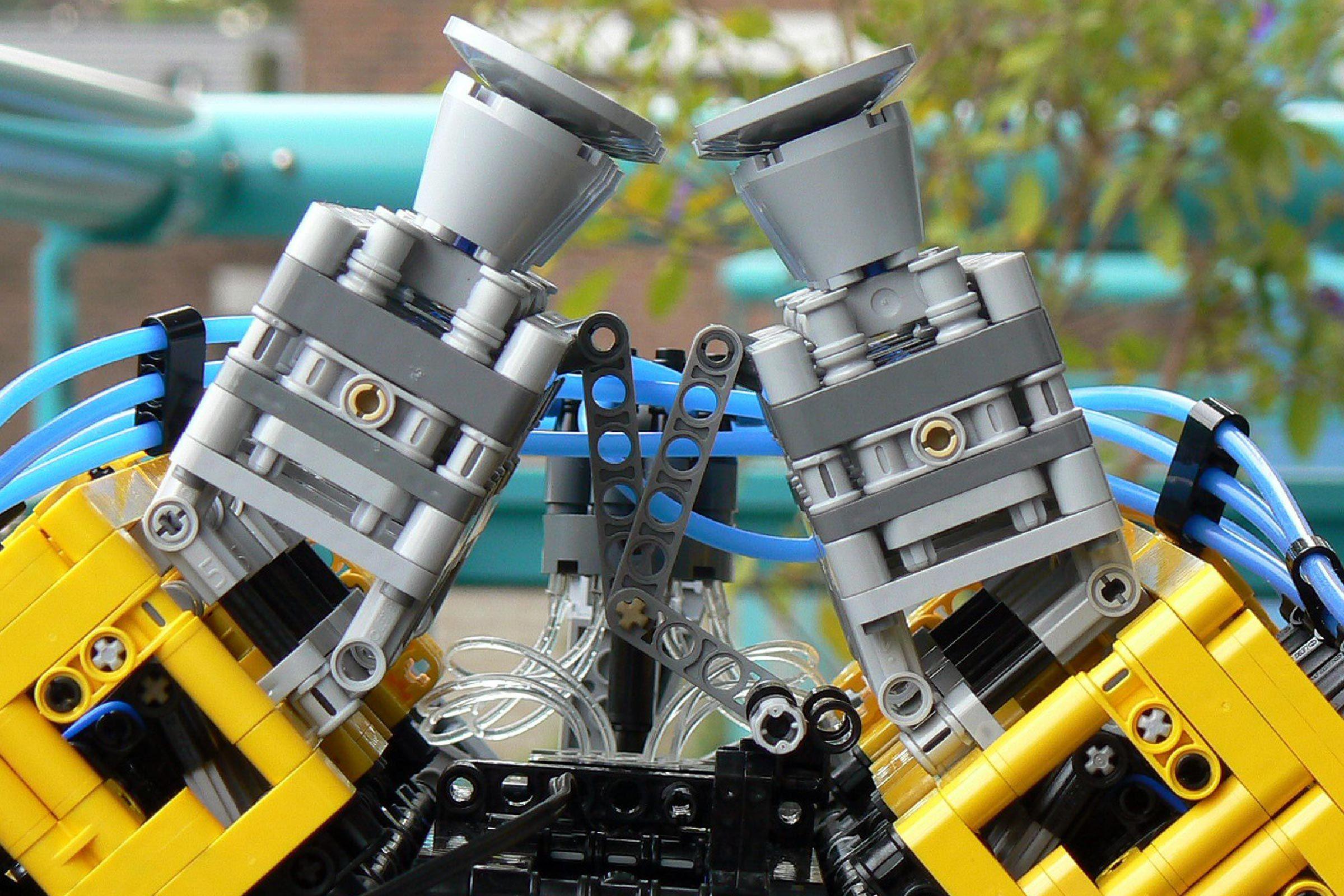 Fully-working V8 Lego engine
