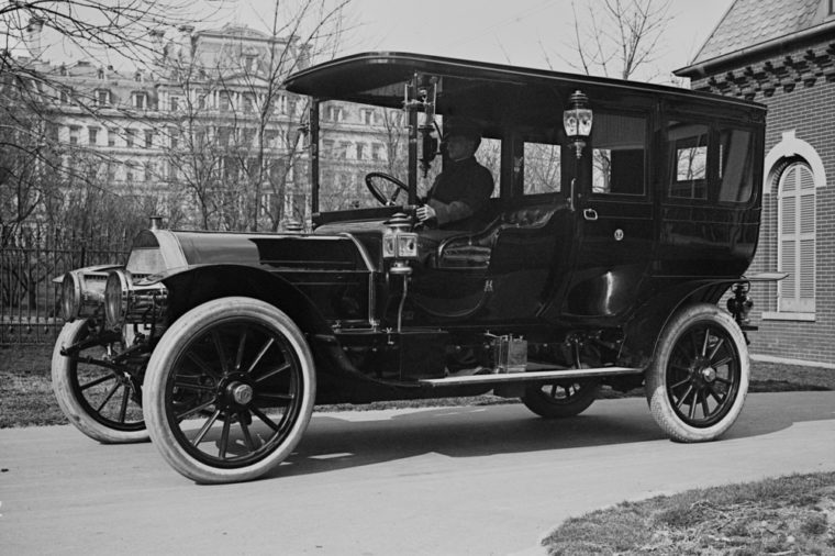 "President Taft's ""Pierce Arrow,"" a luxury auto with 6 cycle, that reached speeds near 50 mph. Photo from 1909."