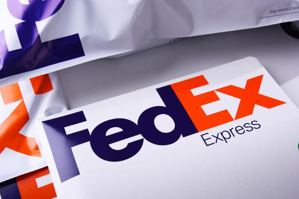 things fedex drivers won 39 t tell you reader 39 s digest. Black Bedroom Furniture Sets. Home Design Ideas