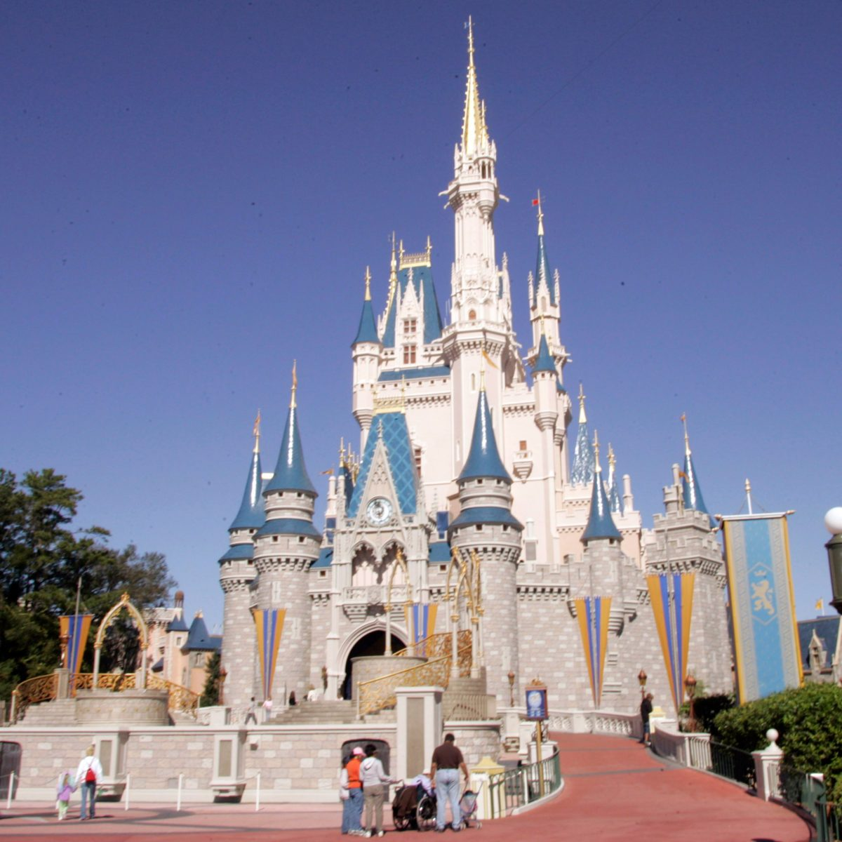 Insider Secrets from a Disney World Super-Fan | Reader's Digest