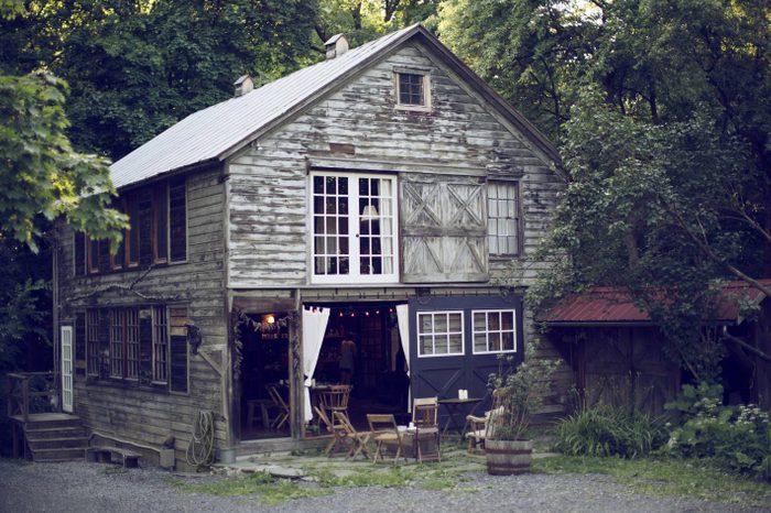 rustic chic barn