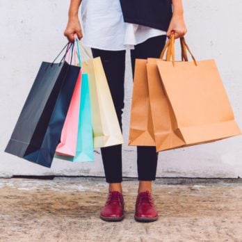 23 Top Psychology Tricks to Spend Less While Shopping