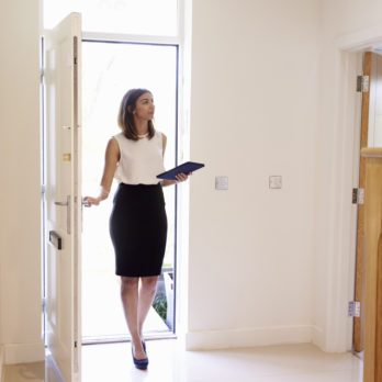 18 Signs You're About to Hire the Wrong Real Estate Agent