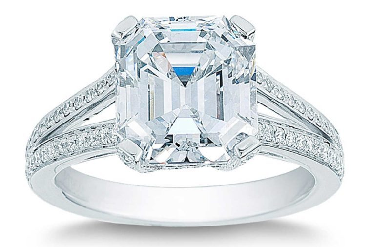 Emerald Cut 5.43 ctw VS1 Clarity E Color Diamond Platinum Wedding Ring