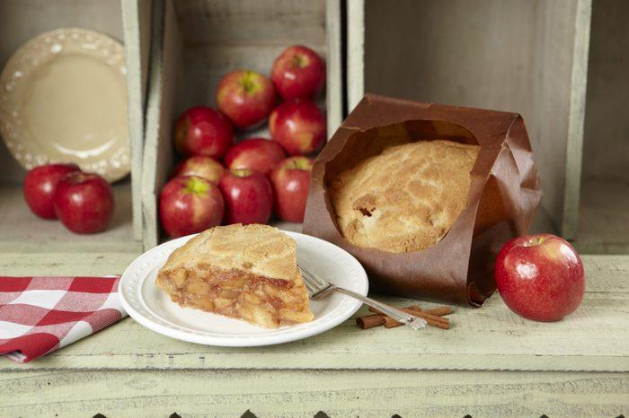 Elegant farmer apple pie