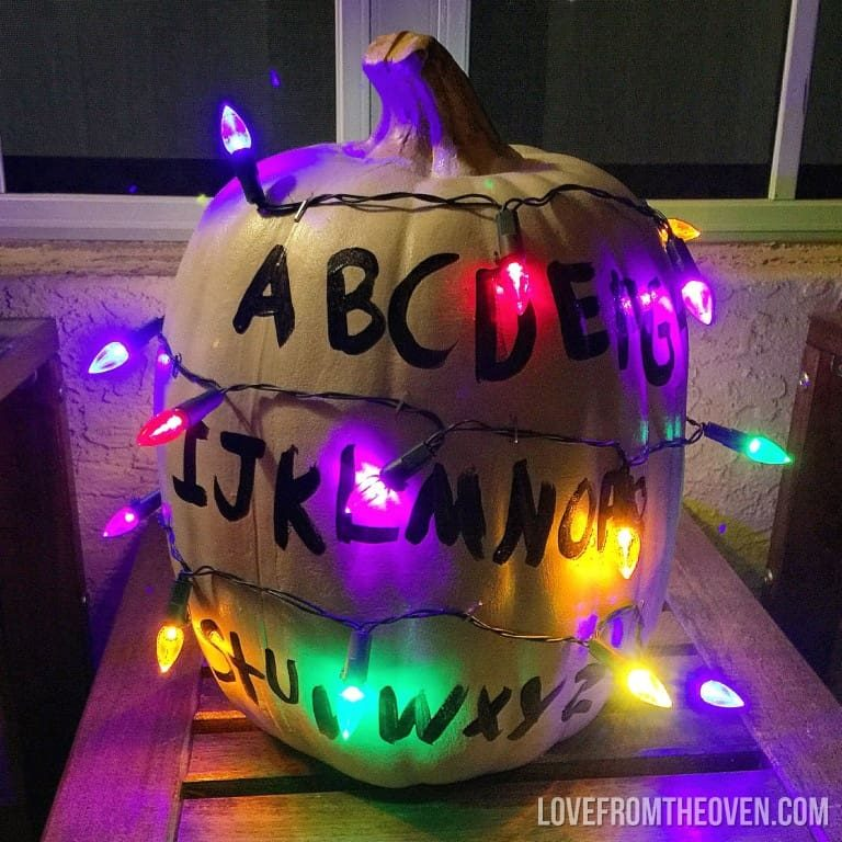 Stranger-Things-Halloween-Pumpkin