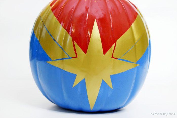Captain-Marvel-Halloween-Pumpkin-700x467