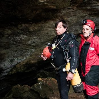 These Two Cave Divers Were Trapped Underwater—with Only Enough Oxygen for One