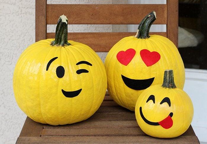 heart-emoji-pumpkin-1.jpg