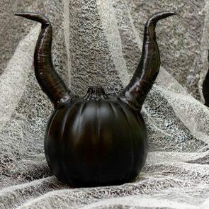 Maleficent-Horn-Pumpkin-700x467.jpg