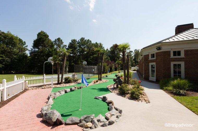 mini-golf--v13895923