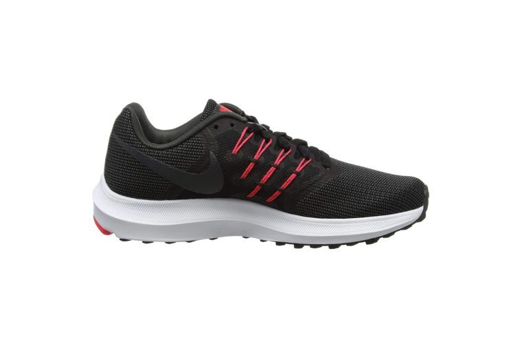 NIKE Women's Run Swift Running Shoe