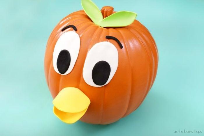 Orange-Bird-Pumpkin-700x467