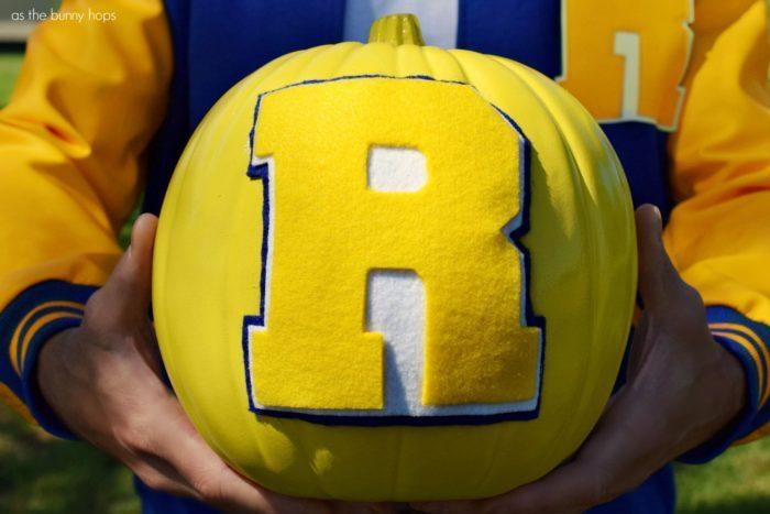 Riverdale-Logo-Pumpkin-700x467