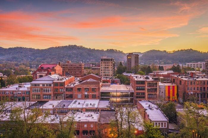 Asheville, North Caroilna, USA downtown skyline at dawn.