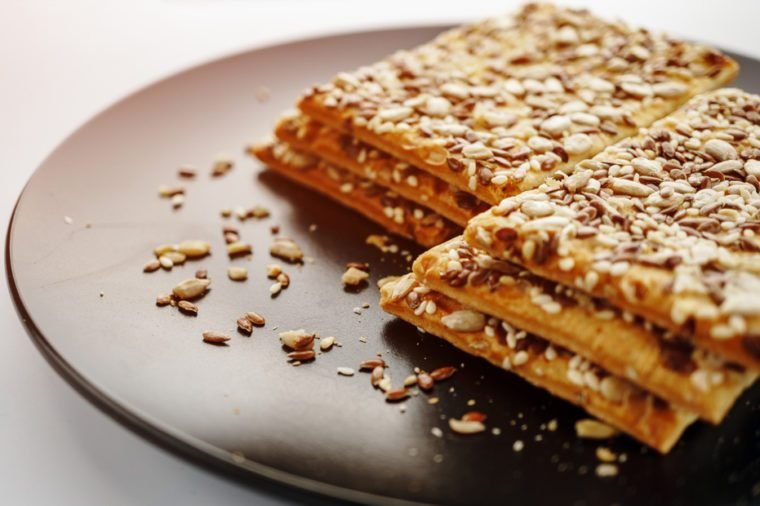 Vegetarian crispy biscuits with sunflower, flax seeds and sesame seeds.