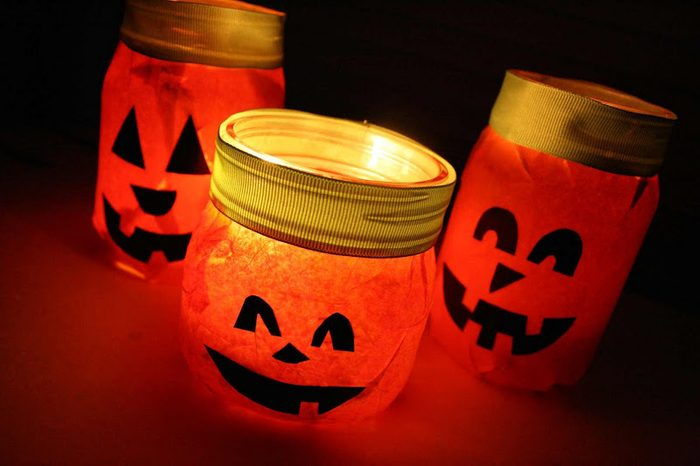 punpkin mason jar candle holder halloween craft