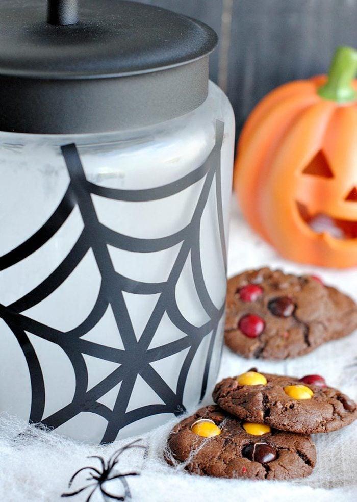spider web cookie jar halloween craft