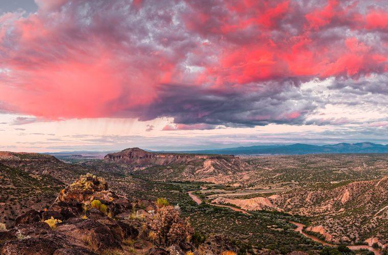 Glorious View Of Rio Grande, Sangre De Cristo And Black Mesa From White Rock Overlook - New Mexico