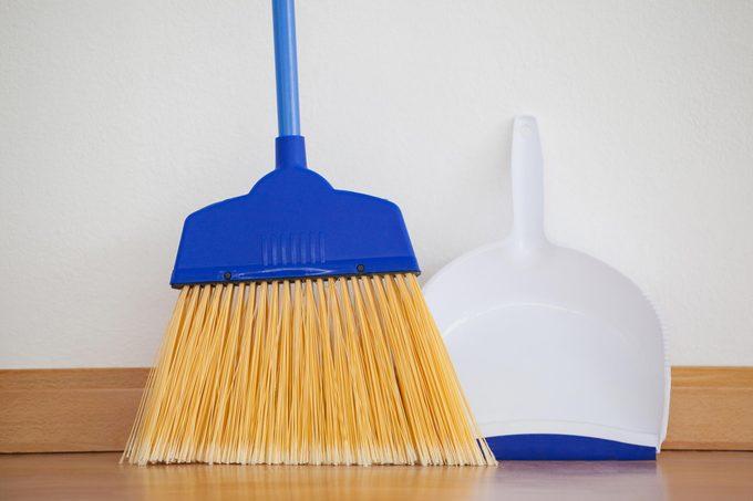 broom floor dust pan clean vinyl