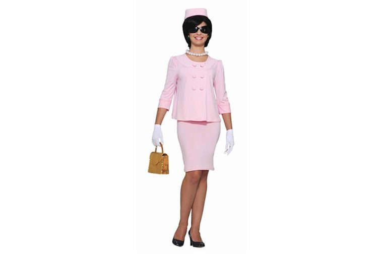 Forum Flirtin with The 50's First Lady Costume