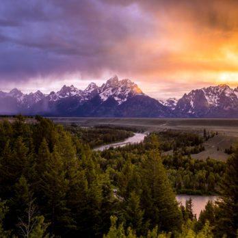Grand Teton National Park at Snake River overlook sunset
