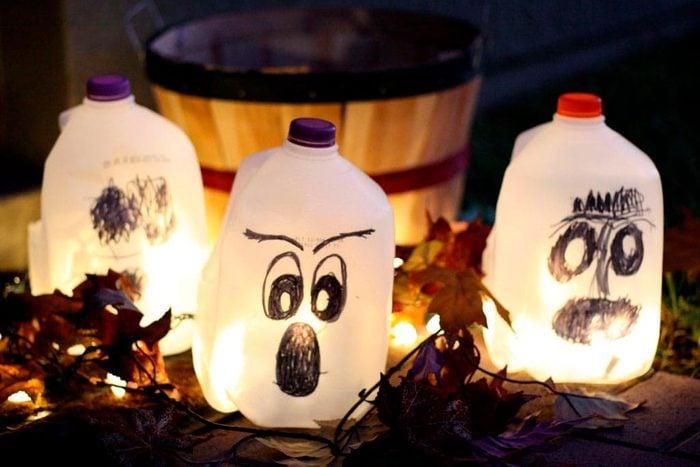milk jug lanterns halloween craft