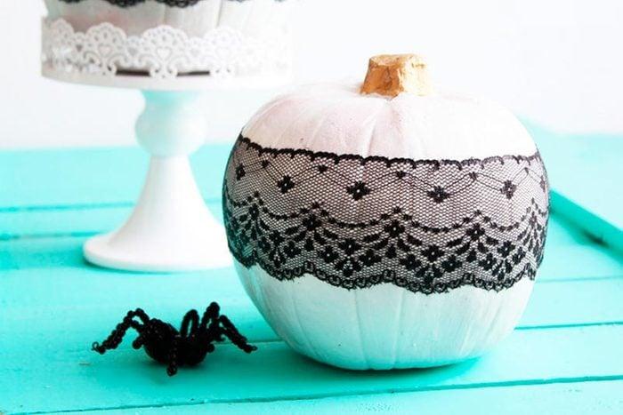 lace pumpkins halloween craft