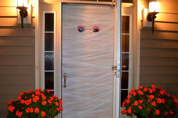 mummy door halloween craft