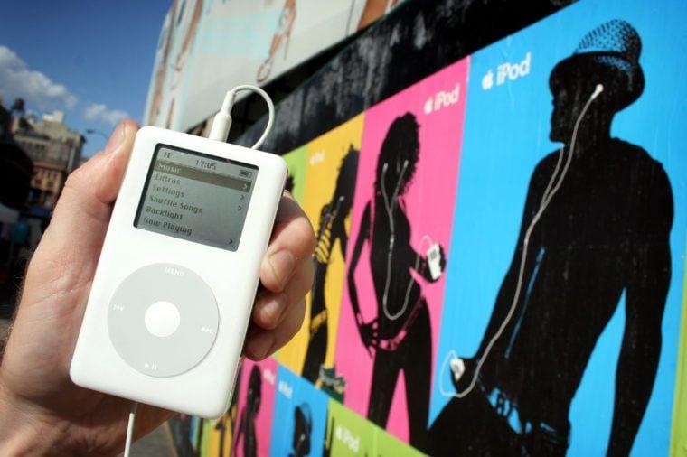 NEW YORK, AMERICA - 24 JUL 2005 Apple ipod