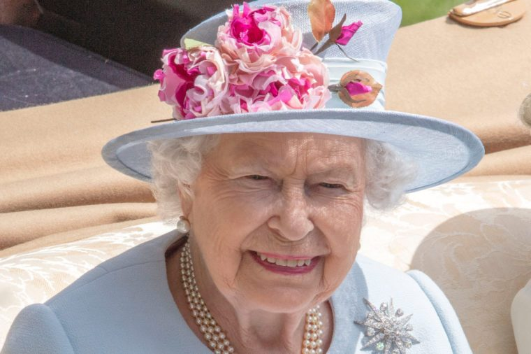 Why Queen Elizabeth Will Never Give Up the Throne  45dab824f4ff