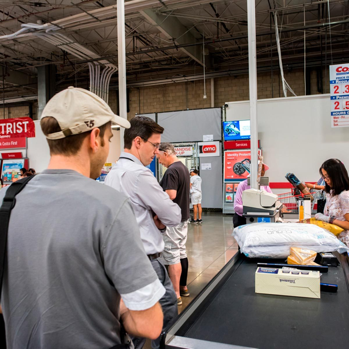 This Is the Best Time to Go to Costco