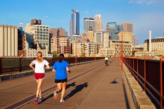 Minneapolis Minnesota jogging path