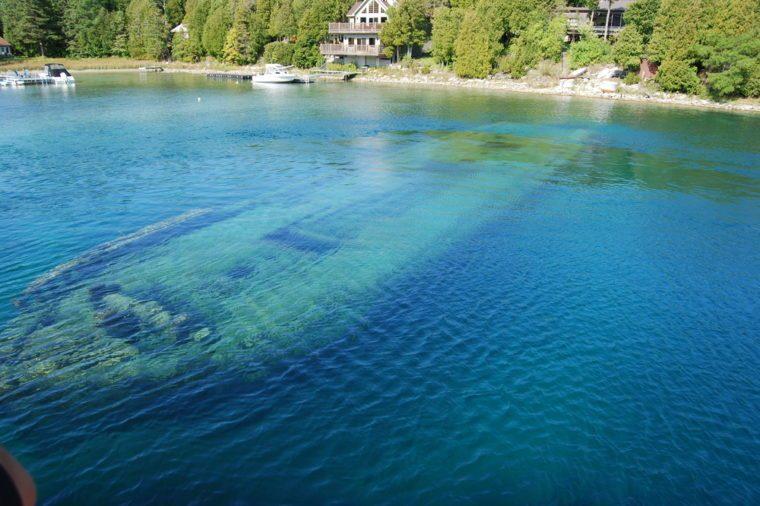 Amazing Sunken Ship Bruce Peninsula, Tobermory, Lake Huron, Fathom Five National Marine Park, Ontario