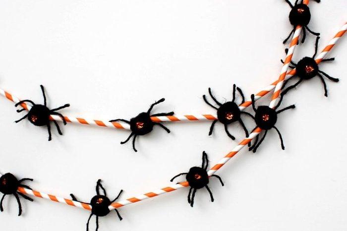 spider garland halloween craft
