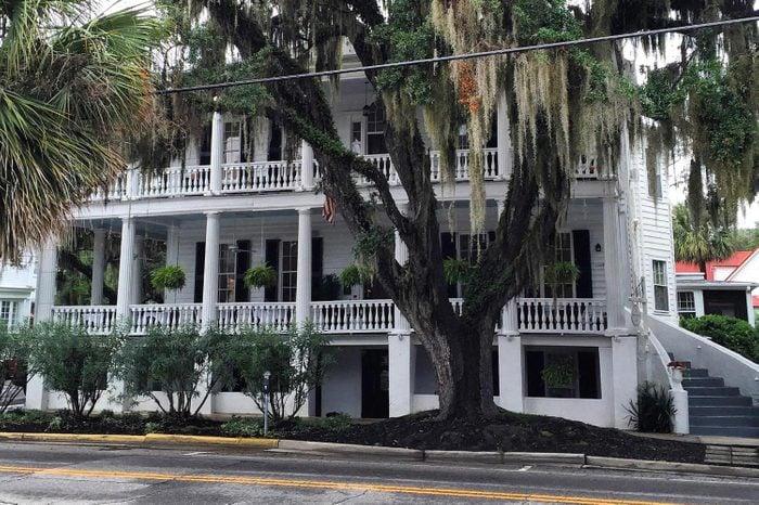 the-rhett-house-inn