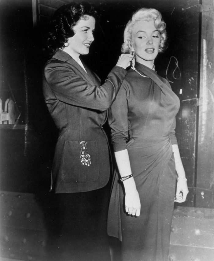 Various FILM STILLS OF 'GENTLEMEN PREFER BLONDES' WITH 1953, MARILYN MONROE, JANE RUSSELL, FEMALE BONDING, DRESSING, HELPING, JEWELLERY, JEWELRY IN 1953