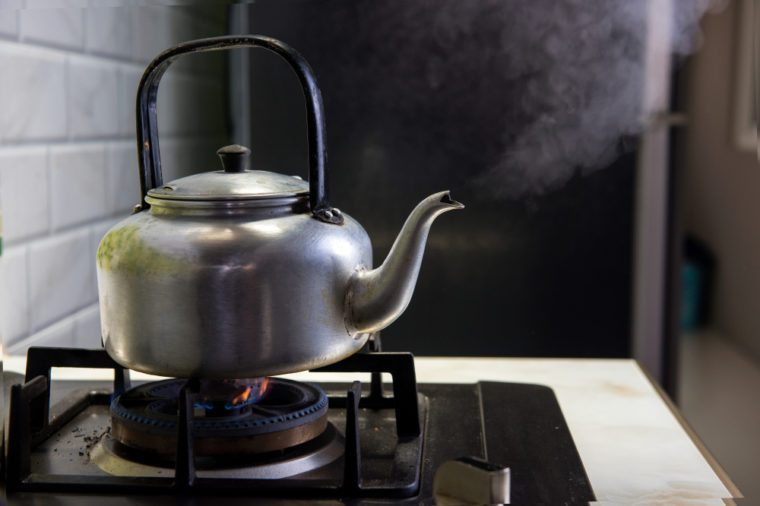 Boiling kettle And smoke came out