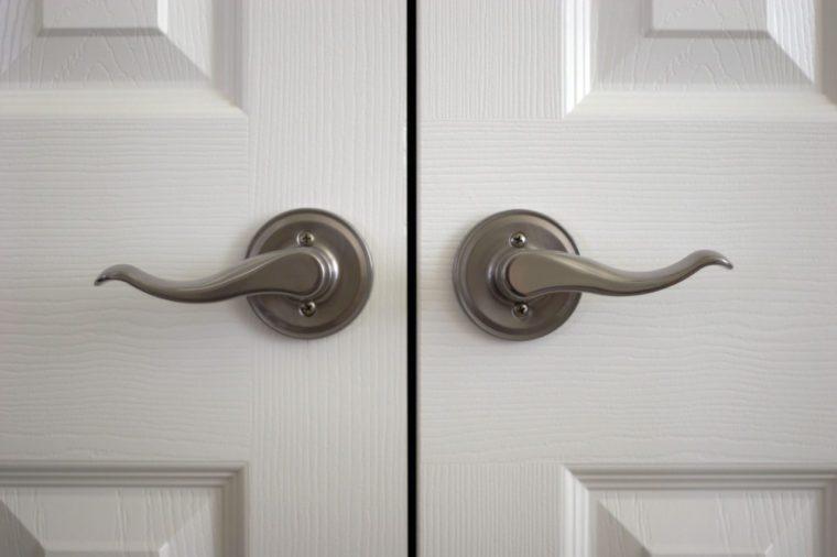 A pair of door knobs