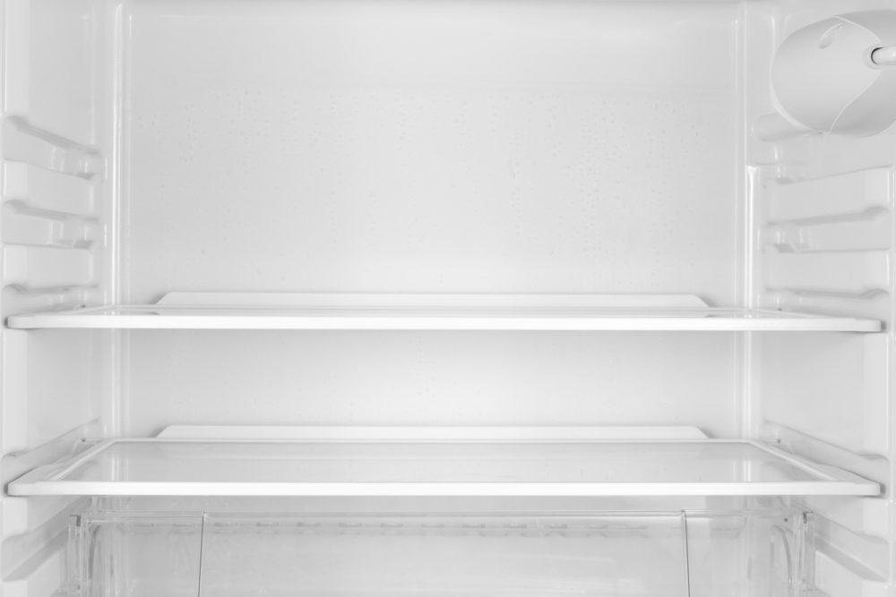 White vinegar uses fridge clean
