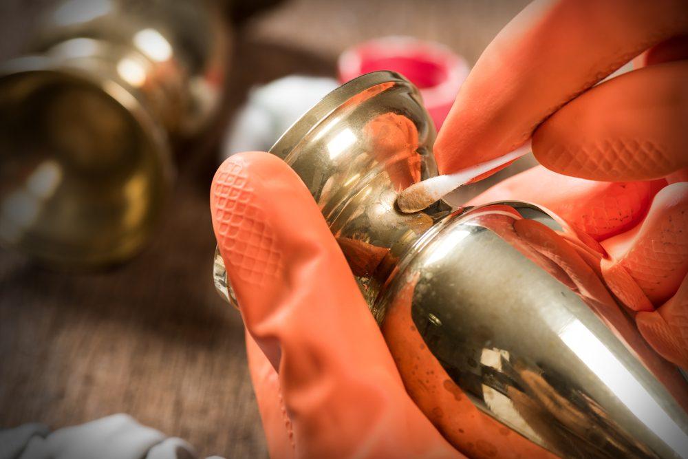 White vinegar uses polish brass polish copper