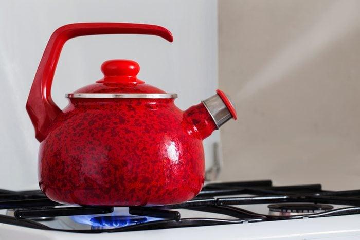 White vinegar uses clean tea kettle