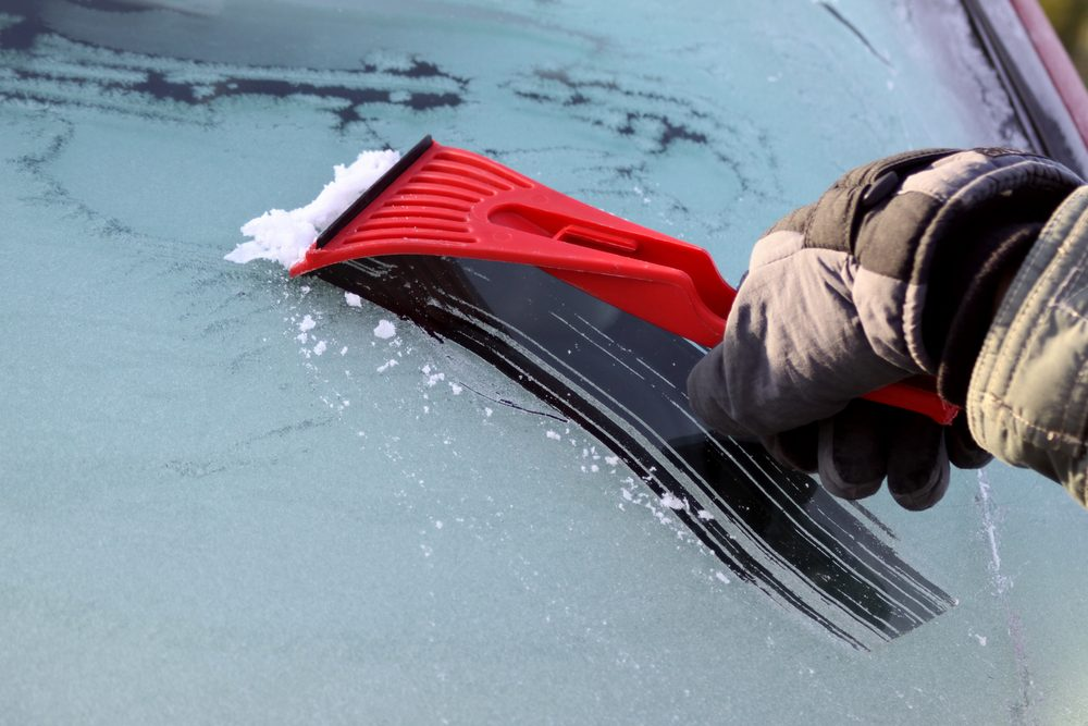white vinegar uses car window frost