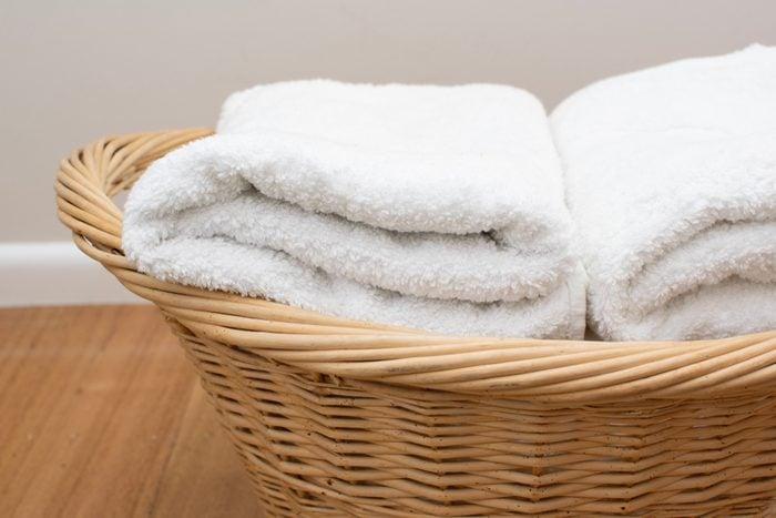 vinegar uses Soften fabrics kill bacteria eliminate static