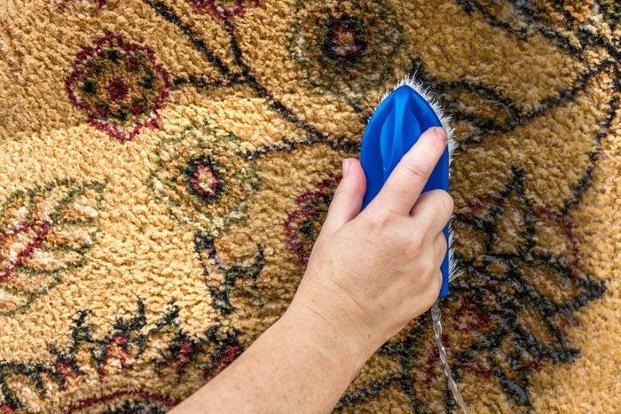 White vinegar uses carpet