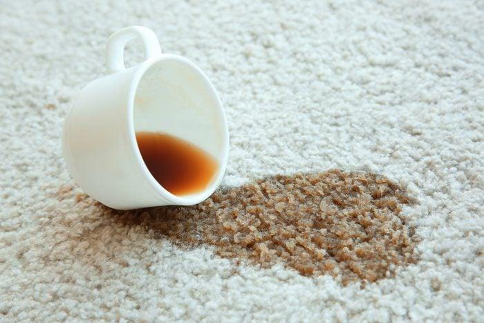 White vinegar uses carpet stains